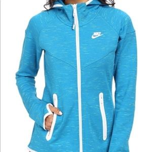 5a17e78d9e Nike Women s Tech Fleece Moto Cape Jacket Size L